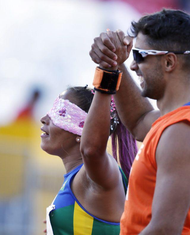 11/08/2015 - Canadá, Toronto - Jogos Parapan-Americanos - Estádio de Atletismo CIBC, 100m T11-Terezinha Guilhermina e Guilherme Soares  ©Marcelo Regua