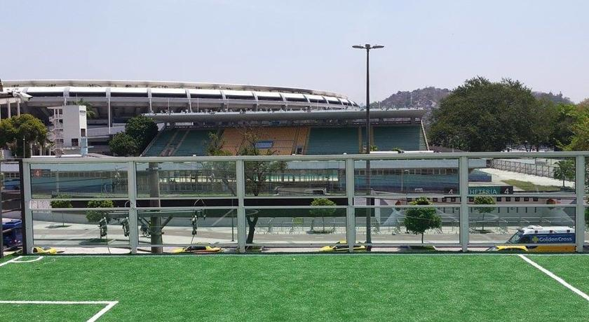 The Arena Hostel is located almost opposite the main entrance to the Maracanã Stadium.