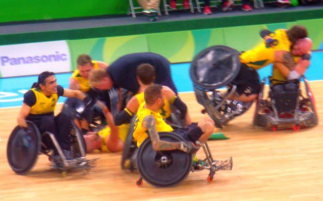 Comemoração da Austrália no rugby em cadeira de rodas. Crédito: Luiza Kreitlon / Pautas & Notícias