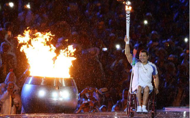 Clodoaldo Silva na pira paraolímpica. Foto: Fernando Maia / Mpix / CPB