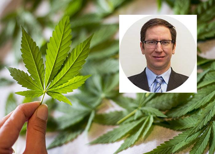 O brasileiro Dr. Ilan Nachim é especialista em medicina de família e tem um interesse particular em medicina para dor e dependência.